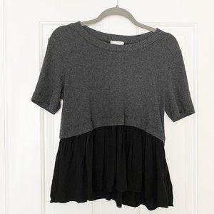 T.la Anthropologie Grey Black Hem T-Shirt Blouse